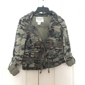 Cropped army camo zip up jacket